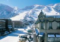 Top 8 Ski Destinations in the USA